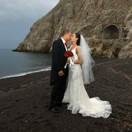 beach wedding santorini