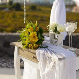 image divine-weddings-santorini-gallery-bridal-bouquets-1-jpg