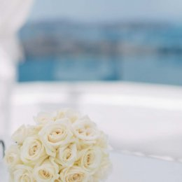 image divine-weddings-santorini-gallery-bridal-bouquets-14-jpg