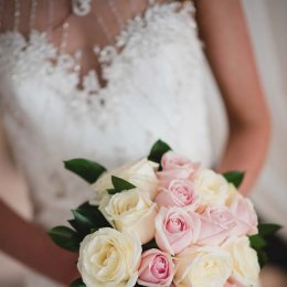 image divine-weddings-santorini-gallery-bridal-bouquets-4-jpg