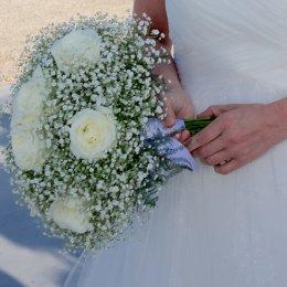 image white-roses-babys-breath-jpg