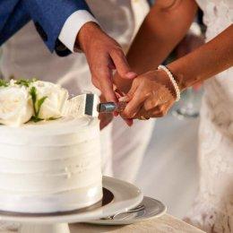 image divine-weddings-santorini-wedding-cakes-sweets-divine-weddings-santorini-wedding-cakes-sweets-13-jpg