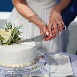 image divine-weddings-santorini-wedding-cakes-sweets-divine-weddings-santorini-wedding-cakes-sweets-19-jpg