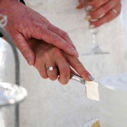 image divine-weddings-santorini-wedding-cakes-sweets-divine-weddings-santorini-wedding-cakes-sweets-8-jpg