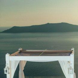 image divine-weddings-santorini-ceremony-decoration-13-jpg