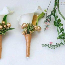 image divine-weddings-santorini-grooms-boutonnieres-1-jpg