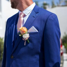 image divine-weddings-santorini-grooms-boutonnieres-10-jpg