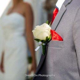 image divine-weddings-santorini-grooms-boutonnieres-11-jpg