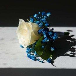 image divine-weddings-santorini-grooms-boutonnieres-4-jpg
