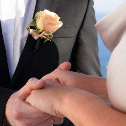 image divine-weddings-santorini-grooms-boutonnieres-7-jpg